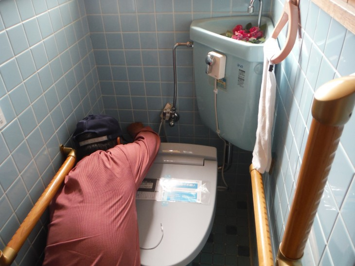 外山邸シャワートイレ施工写真